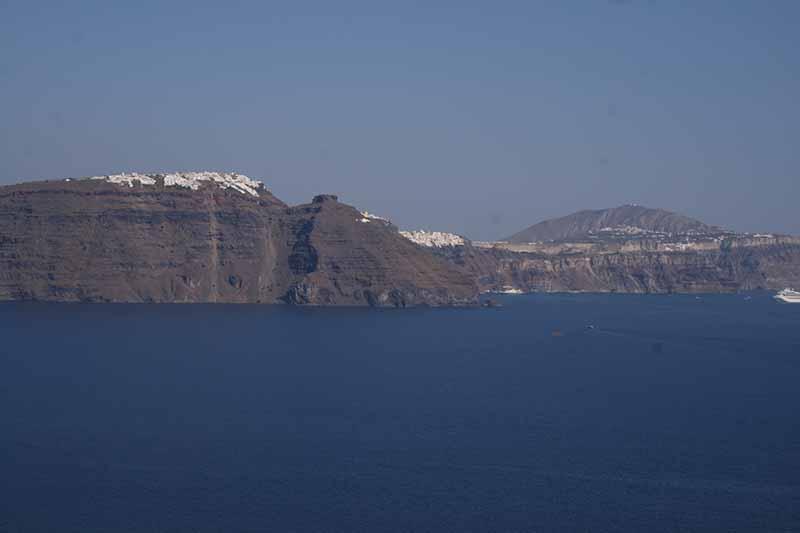 Vista de Santorini sobre la montaña