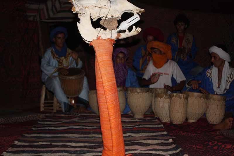 Calavera en baile bereber
