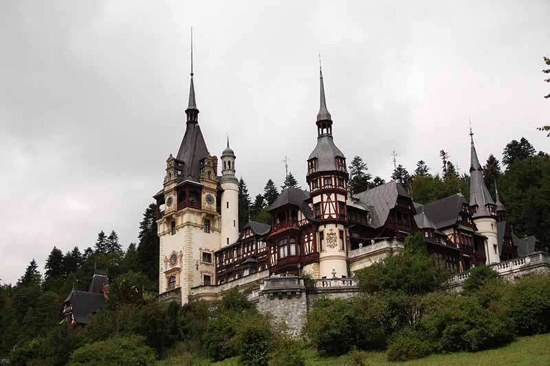 Vistas del Palacio de Sinaia